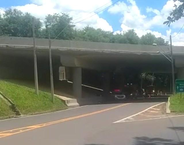 Em Piracicaba (SP), homem morre ao se envolver em grave acidente de moto