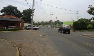 Assaltante jogou vítima do veículo próximo ao Carrefour e fugiu para o Jaraguá - Foto: Arquivo