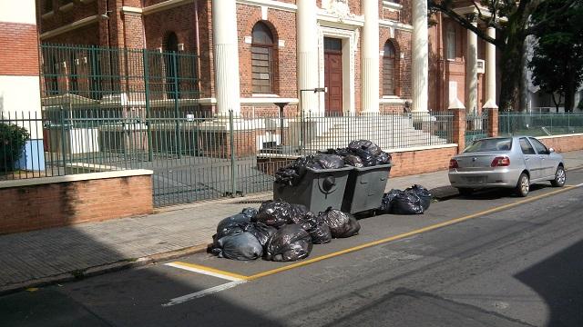 Câmara de Piracicaba deve criar Comissão de Estudos para avaliar problema do lixo na cidade - PIRANOT
