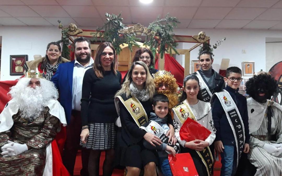 Visita de los Reyes Magos al asilo y los Piratas