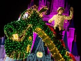 Main Street Electrical Parade in Walt Disney World   Pete's Dragon Float