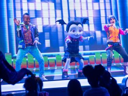 Finn Fiesta, DJ DeeJay, and Vamipirina at the Disney Junior Dance Party