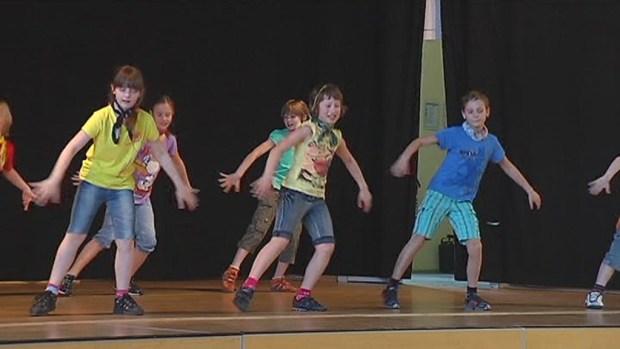 """Der """"Tanz der Schulen"""" fand in diesem Jahr bereits zum 12. Mal statt. Schülerinnen und […]"""