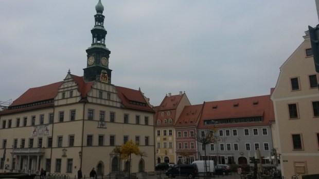 Nach 2014 präsentieren die Mitglieder des Kunstvereins Sächsische Schweiz erneut Ihre Werke im Pirnaer Rathaus […]
