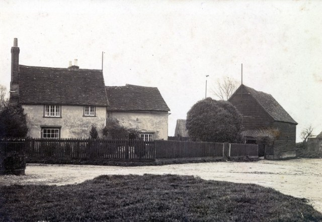 In 1944 the farm was bought by Stan and Phil Walker. In 1947 Elm Tree Farm and the adjacent Little Green Farm were amalgamated by the Walkers.