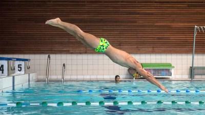 piscine-laperledeau-plongeon-profil