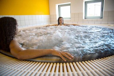 piscine-laperledeau-spa-jacuzzi