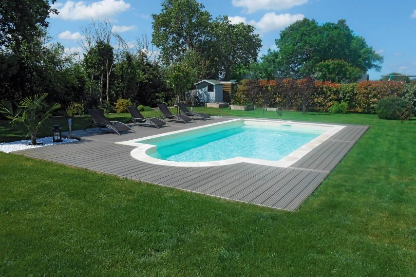 piscine coque polyester forme