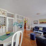 Toplo preporučujemo dvosoban stan koji odiše pozitivnom energijom i svetlošću