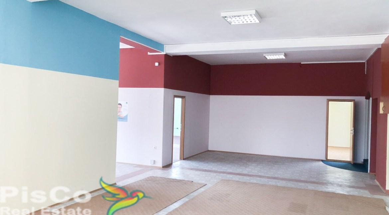 Izdaje se salon na Marezi | Podgorica