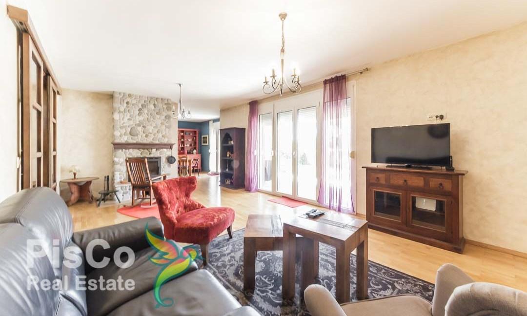 Prodaje se kuća u Tološima l Podgorica