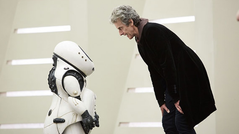 'Doctor Who 10×02 – Smile' Review