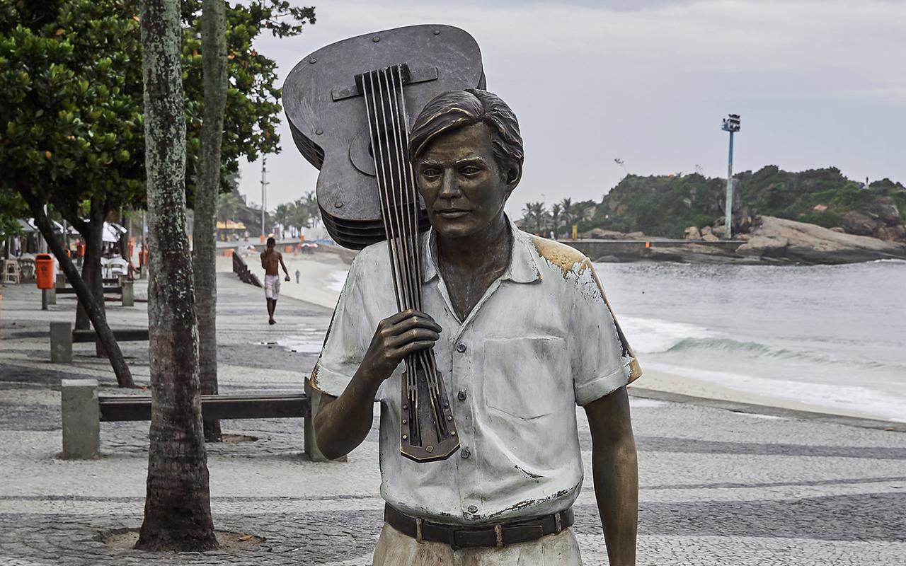 Vinte anos sem Jobim: 12 músicas incontornáveis!