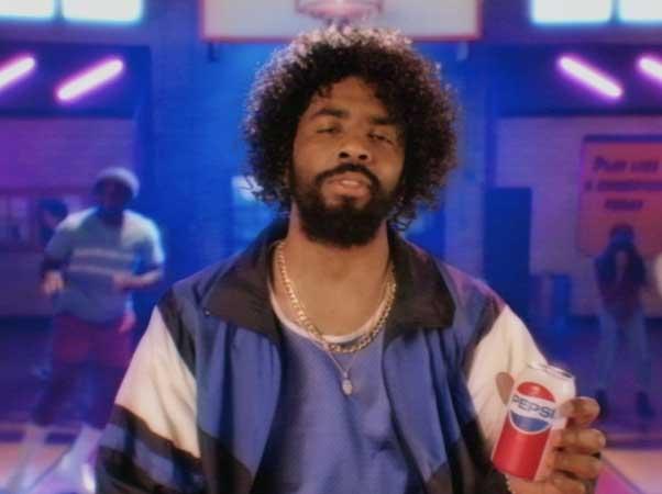 百事可樂終于將《德魯大叔》搬上了熒幕,復古營銷了解一下