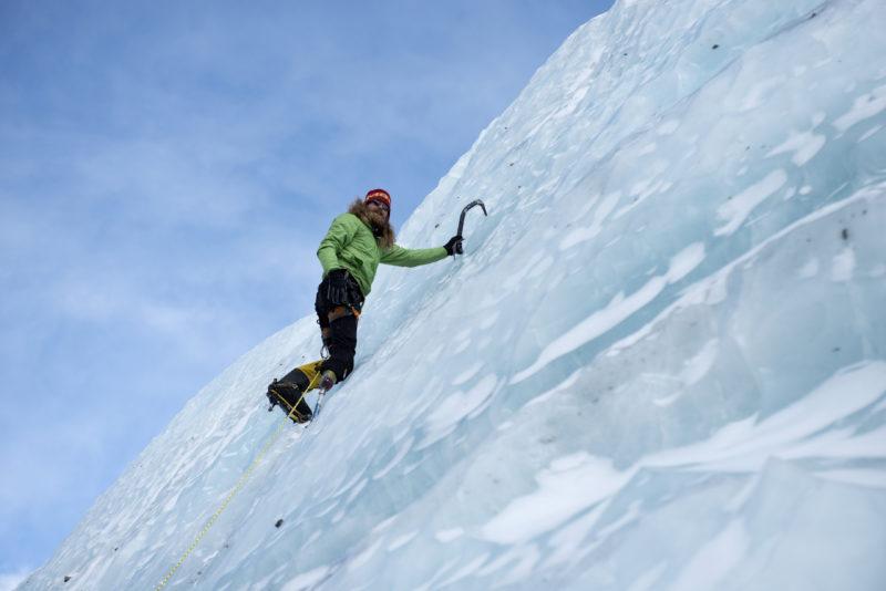 DSC_6187_Chad Jukes climbing ice near advanced basecamp (6400 m). Copyright Dave Ohlson_50percent
