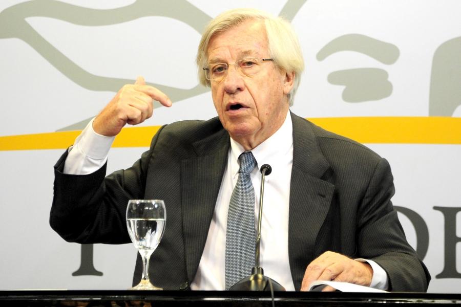 """Astori anunció que el gobierno lleva al Consejo de Salarios la propuesta de aumentos """"diferenciados"""""""