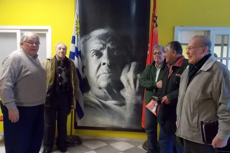 Salud 49º  aniversario de la CNT, ejemplo de unidad e inicio de la guía del movimiento sindical
