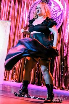 burlesque-is-a-basterd-38
