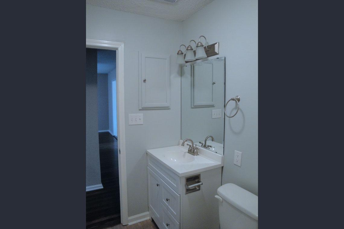 Stancil Drive Duplex Bathroom