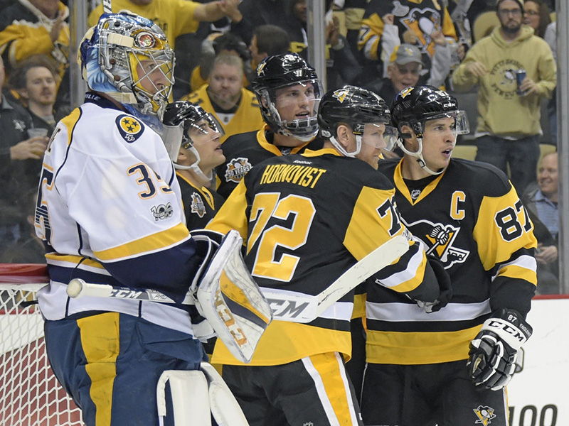 Hornqvist scores a pair to push Penguins past Predators