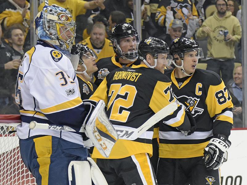 Hornqvist scores a pair to push Penguins past Predators