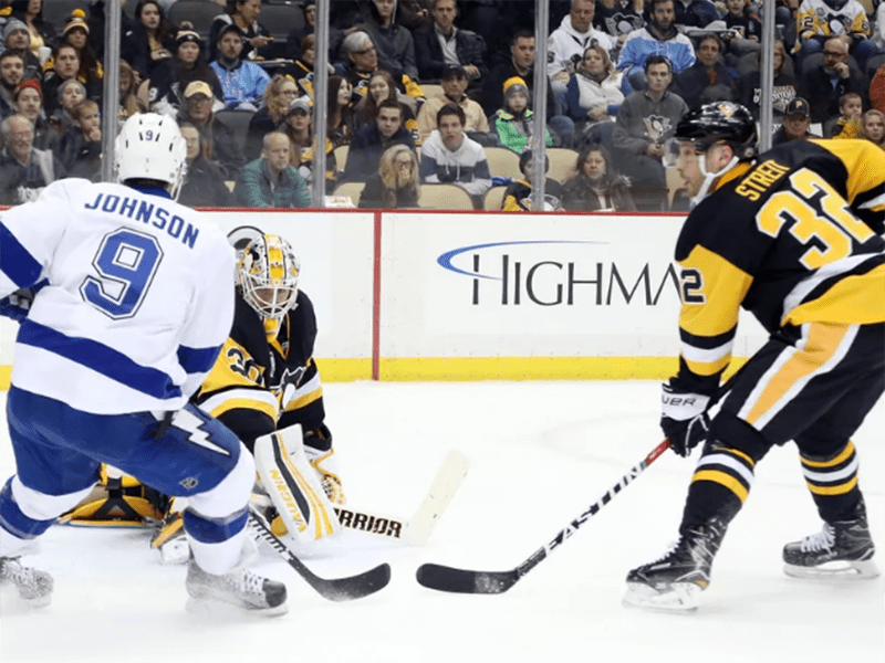 Penguins beat Lightning to snap two-game losing skid