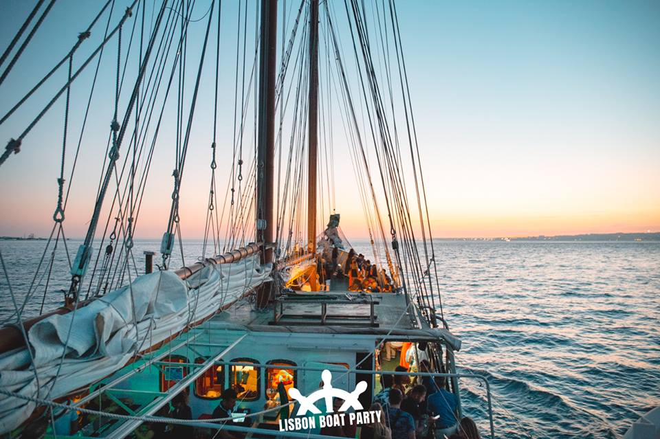 Lisbon boat party 1