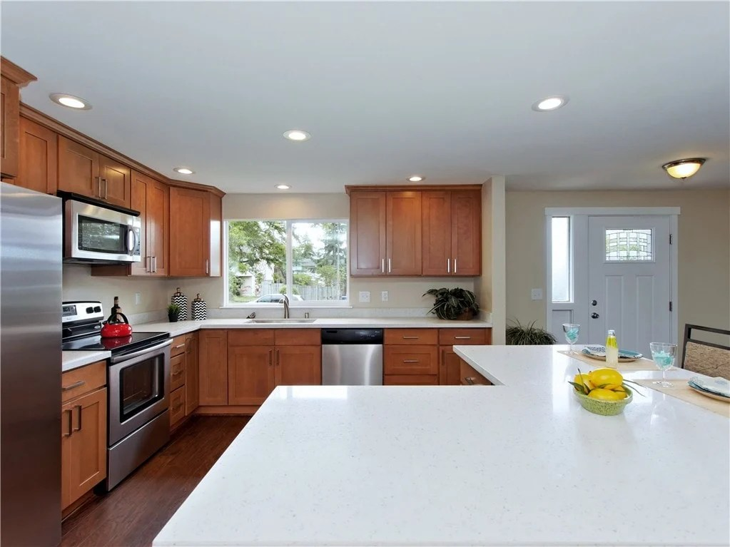 Maple Cabinets Quartz Countertops #AX67 - Roccommunity on Kitchen Countertops With Maple Cabinets  id=41388