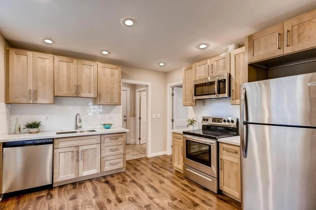 Natural Blonde Maple Shaker - Pius Kitchen & Bath on Natural Maple Cabinets With Quartz Countertops  id=99384