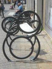 Enrico Fioravanti, cicli d'arte, davanti palazzo Roverella, Rovigo