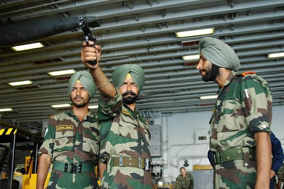 https://commons.wikimedia.org/wiki/File:Soldier_Sikh_LI_INF_of_the_Indian_Army_practices_aim_during_MALABAR_2006.jpg