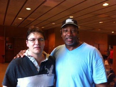 Un pivot anonimo, yo, un idolo de masas Norris, dos pivots apasionados con el baloncesto