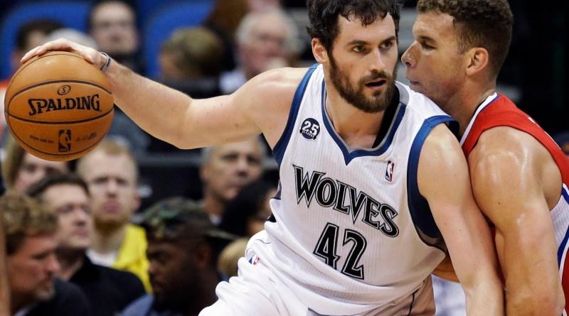 Fuente: footbasket.com Kevin Love Posteando a Blake Griffin otra de las jovenes estrellas de la actual NBA