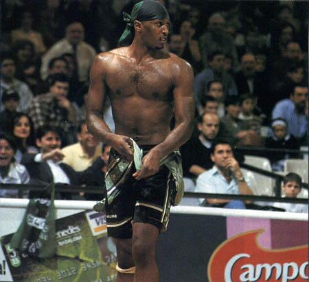 Fuente; retroacb.blogspot.com El dia que destrozo la camiseta en plan Hulk Hogan