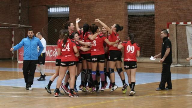 """Fuente: http://www.bmmalagacostadelsol.com/ Las """"guerreras"""" de Javi han practicamente conseguido el objetivo de mantenerse en División de Honor, felicidades a todo el equipo"""