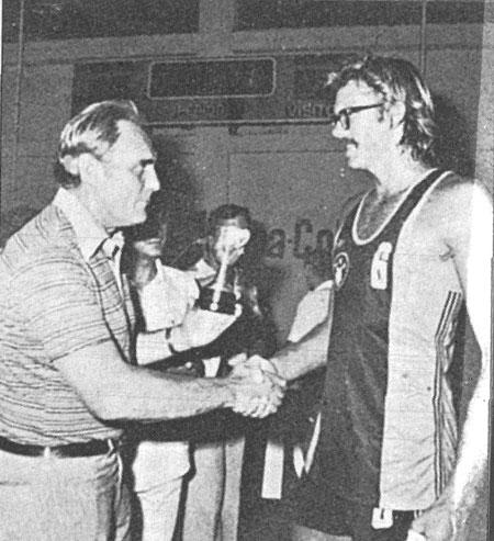 fuente: Historias sobre el baloncesto griego.
