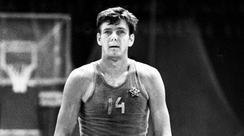 Jaak Lipso un chico de Tallin, una estrella del baloncesto soviético.