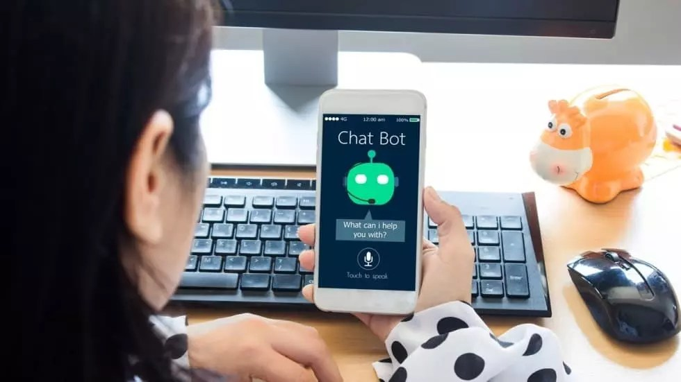 How Chatbots are Transforming The Customer Experience?