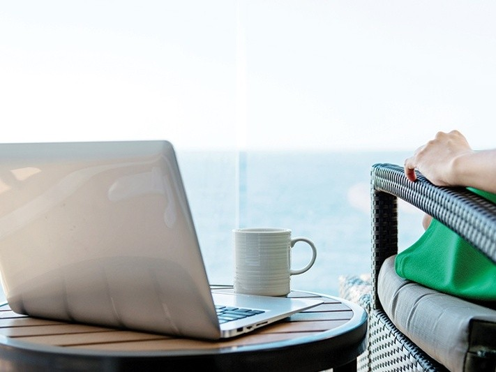 4 Ways Your Website Can Work For You Whilst You Are On Holidays