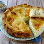 Tyropita Greca, Torta Salata di Pasta Fillo con Feta, Kefalotiri e Aneto