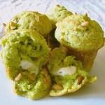 Muffins al Pesto con Cuore di Pecorino Marzolino