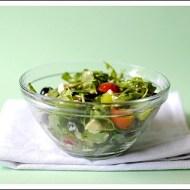 Insalata di Rucola e Pomodorini con Stracchino, Pinoli, Mirtilli e Olive Nere