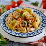 Calamarata (Mezzi Paccheri) con Calamari e Pomodorini