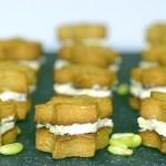 Biscottini Salati al Thé Matcha con Mousse di Fagioli Verdi