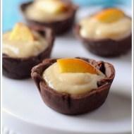 Tartellette Sablée al Cacao con Crema di Latte alle Pesche