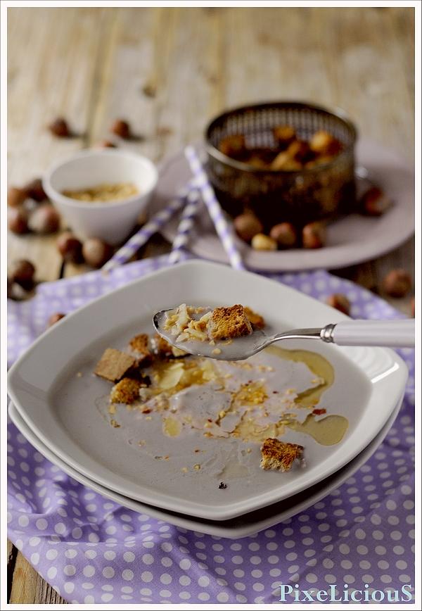 vellutata cavolfiore viola nocciole pecorino 4 72dpi