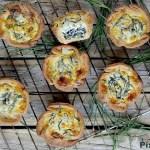 Mini Quiches di Farina di Farro con Agretti e Robiola