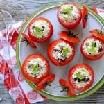 Pomodori Ripieni di Bulgur con Feta, Cipollotti e Olive Greche