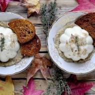 Panna Cotta al Pecorino su Crema di Funghi Porcini con Tartufo Bianco e Cialdine di Pane Croccanti