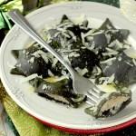Ravioli di Spinaci Ripieni di Salsiccia e Pecorino